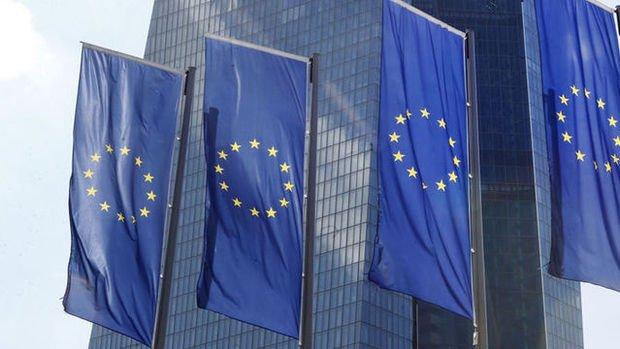 Euro bölgesi hizmet PMI Haziran'da düştü