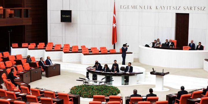 AK Parti ve MHP iç tüzük konusunda anlaştı