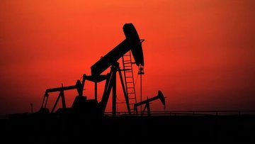 """Petrol """"arz"""" beklentileri ile kazancını korudu"""