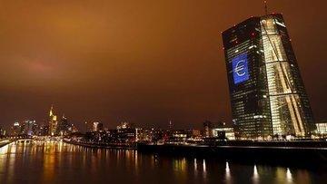 Euro Bölgesi'nde enflasyon ECB hedefinden uzaklaştı