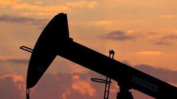 Petrol arz kısıntılarına rağmen 49 doların altına indi