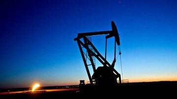 """Petrol """"ABD üretimi"""" ile 3 haftanın düşüğünde tutundu"""