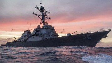 ABD savaş gemisi ile petrol tankeri çarpıştı: 10 asker ka...