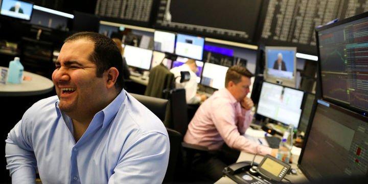 Küresel Piyasalar: Hisseler değer kazandı, tahviller düştü, petrol ralli yaptı