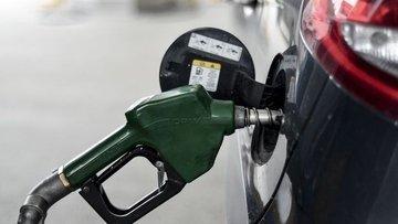 Dolar ve petrolde yaşanan düşüş akaryakıt fiyatlarına yan...