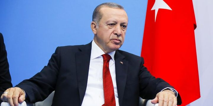Erdoğan: Darbeciler ellerine kan ve alınlarına da kara bir leke bulaştırmışlardır