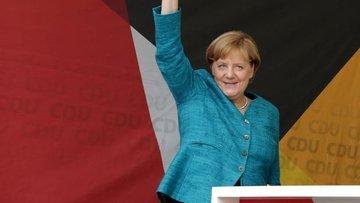 Almanya'da seçimin galibi Merkel oldu