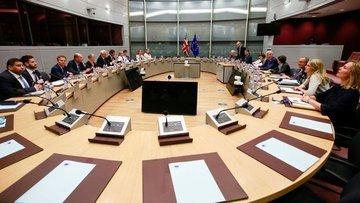 İngiltere ile AB arasında Brexit müzakereleri sürüyor