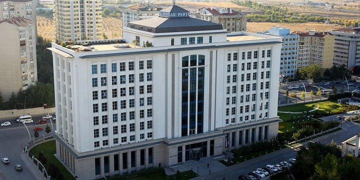 AK Partili 4 il başkanı değiştirildi