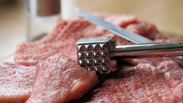 Bakan Fakıbaba: Et fiyatlarında üreticiyi de tüketiciyi de mutlu edeceğiz