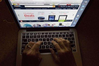 Her 3 kişiden 2'si internetten alışverişe sıcak...