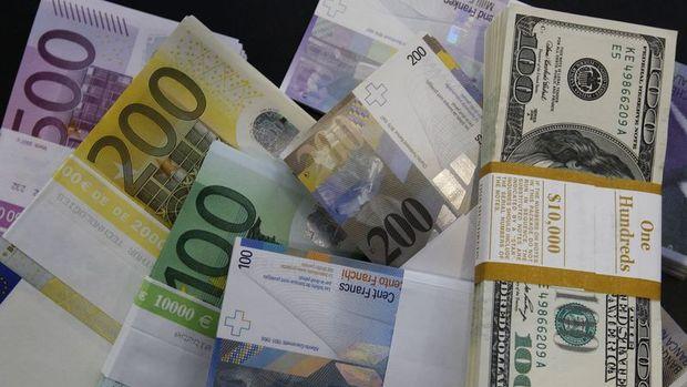 """Dolar euro karşısında """"Katalonya"""" etkisi ile yükseldi"""