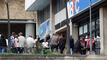 """S&P Venezuela için """"tercihli temerrüt"""" ilan etti"""
