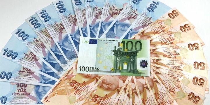 Euro/TL tarihi rekorunu tazeledi