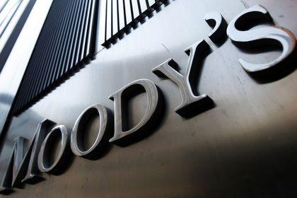 Moody's 13 yıl sonra ilk kez Hindistan'ın notun...