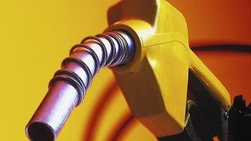 Benzinin litre fiyatında indirim