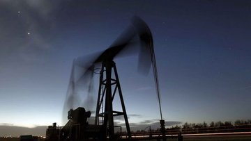 """Petrol """"stok"""" verisi sonrası 2 yılın zirvesine yöneldi"""