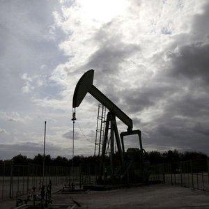 OPEC VE RUSYA ÜRETİM KISINTILARINI 2018 SONUNA DEK UZATMAYA HAZIR