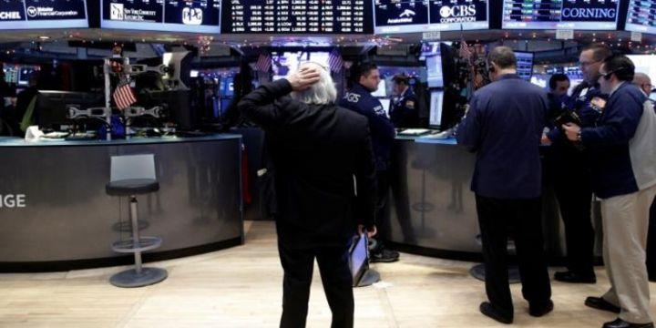 Küresel Piyasalar: Dolar euro karşısında düştü, hisseler yön bulamadı