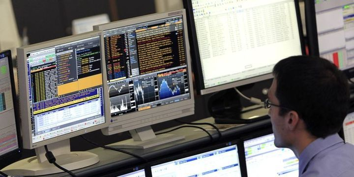 Küresel Piyasalar: Dolar düşerken, hisse senetleri yatay seyretti
