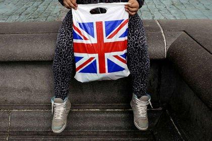 İngiltere'de enflasyon 6 ay içerisinde ilk kez ...