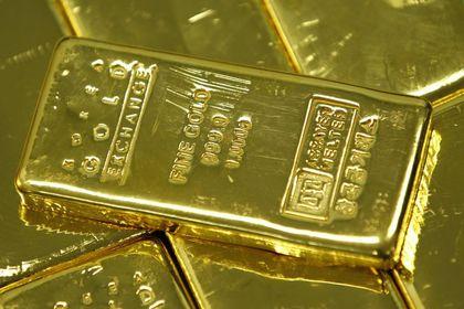 Altın ABD endişeleri ile 4 ayın zirvesi yakınında