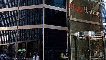 Fitch Ratings, İspanya'nın kredi notunu A- seviyesine yük...