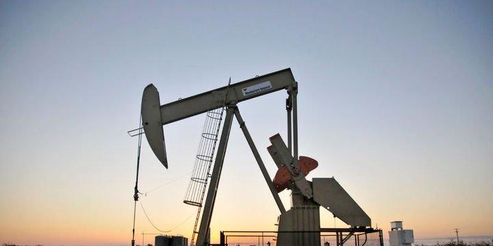 """Petrol """"stok"""" verisi öncesi kayıplarını sürdürdü"""