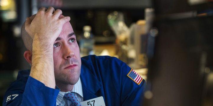 Küresel Piyasalar: Hisse senetlerinde satış dalgası sürüyor, dolar hafifçe geriledi