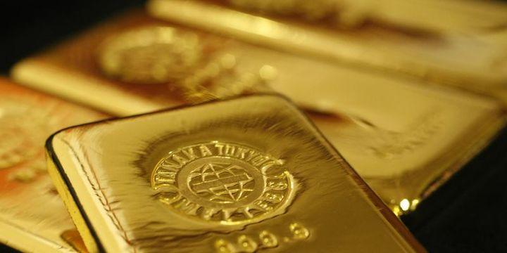 Altın güçlü dolar ile 4 haftanın en düşük seviyesine indi