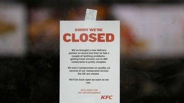 KFC'nin tavuğu bitti, hizmeti durdurdu