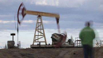 Petrol ABD'de stokların artacağı beklentisi ile düştü