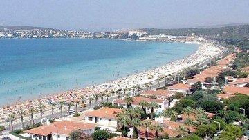 Alaçatı'ya yapılması planlanan havalimanı 12 ay turist çe...