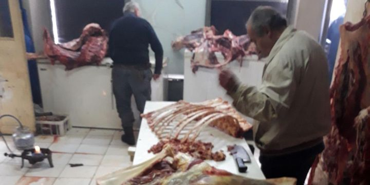 Kaçak kesim 2 ton et, 3 ton sakatata el konuldu