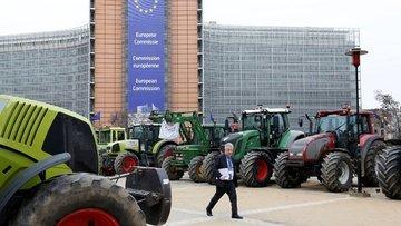Brüksel'de çiftçilerden ithal et protestosu