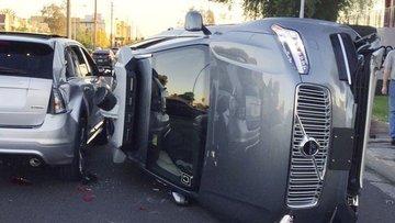 UBER sürücüsüz araba testlerini durdurdu