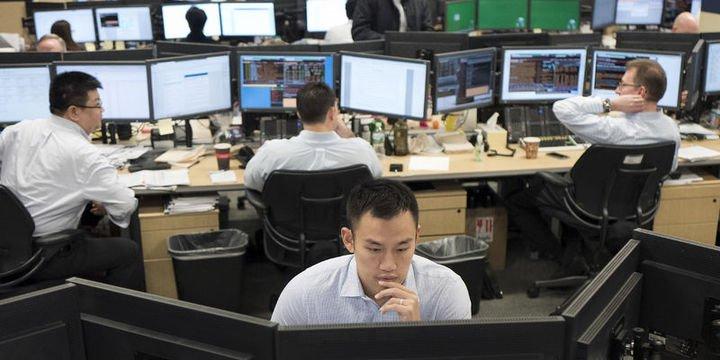 Küresel Piyasalar: Hisseler ticaret savaşı korkusuyla sert düştü, dolar geriledi