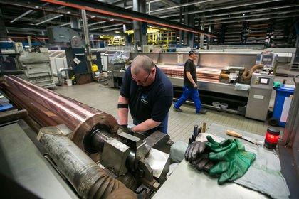 Almanya'da sanayi üretimi Şubat'ta beklenmedik ...