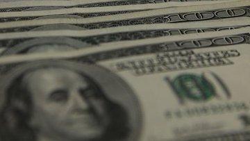 Yurt içi yerleşiklerin döviz mevduatı 765 milyon dolar az...
