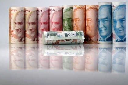 TCMB anketinde dolar ve enflasyon beklentisi yü...