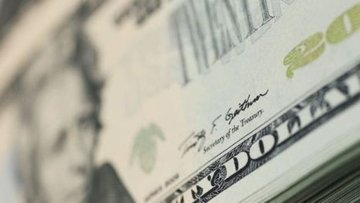 """Dolar """"ticaret endişeleri""""nin azalmasıyla haftaya güçlü b..."""
