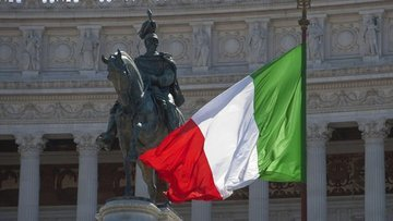 """İtalyan varlıkları """"siyasi"""" endişelerle sert düştü"""