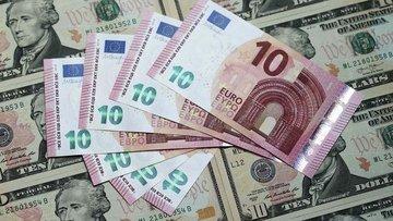 """Dolar """"İtalya"""" ile euro karşısında 6 buçuk ayın zirvesine..."""