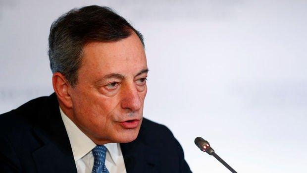 AMB/Draghi: İlk faiz artışının zamanlamasında sabırlı olacağız