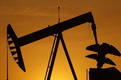 Petrol OPEC öncesi 66 dolar civarında tutundu