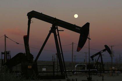 Brent petrolü 75 dolar civarında dalgalandı