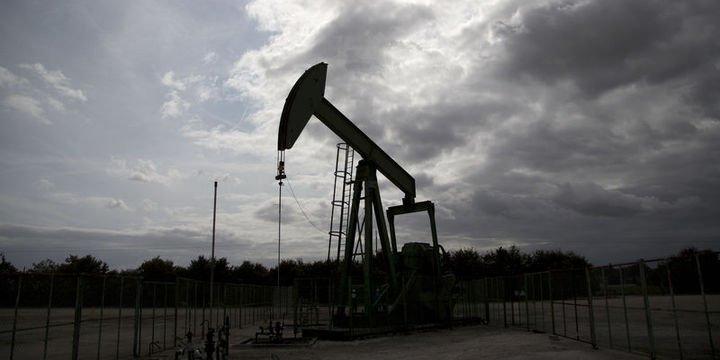 Petrol ABD stoklarındaki düşüşle kazançlarını korudu