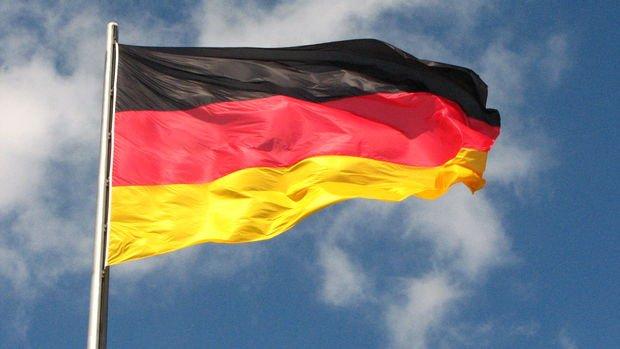 Almanya'da imalat PMI Temmuz'da tahmini aştı