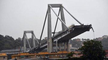 İtalya'da köprü çöktü, ölenler var